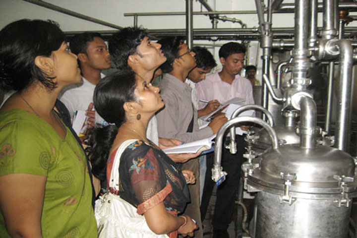 https://cache.careers360.mobi/media/colleges/social-media/media-gallery/9982/2018/11/30/Lab of Hindustan College Guwahati_Laboratory.jpg