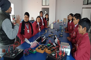 The Wembley International School - electronic lab
