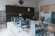 Delhi Tamil Education Association Senior Secondary School-Chemistry Lab