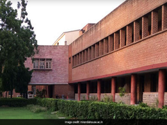 COVID-19: Hindu College Alumni Providing Aid Of Rs 20,000 To Needy Students