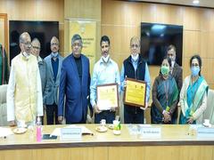 IIT Delhi Professor Wins Pandit Deendayal Upadhyay Telecom Award 2018