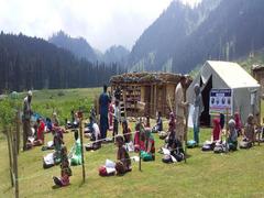 Jammu and Kashmir: Volunteer Teachers, Parents To Start Community Classes; Government Notifies SOPs