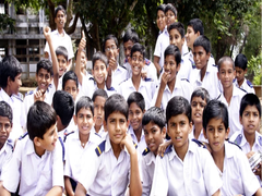 Madhya Pradesh To Allow Children Orphaned by Covid To Apply For Free Admission In Schools