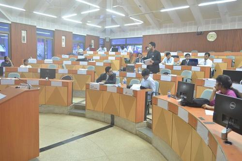 Image result for iim kozhikode classroom