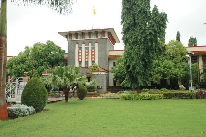 Maharashtra Governor: Students Should Contribute Towards Nation Building