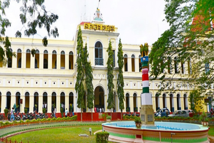 Mysore University bans movement of women in evening, withdraws order after backlash