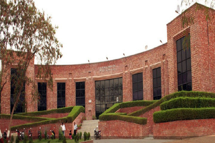 Vice Chancellor: JNU second-best among country's research institutes due to efforts of teachers, students