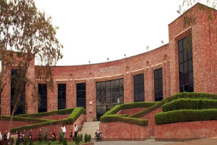 Jawaharlal Nehru University entrance exams commence