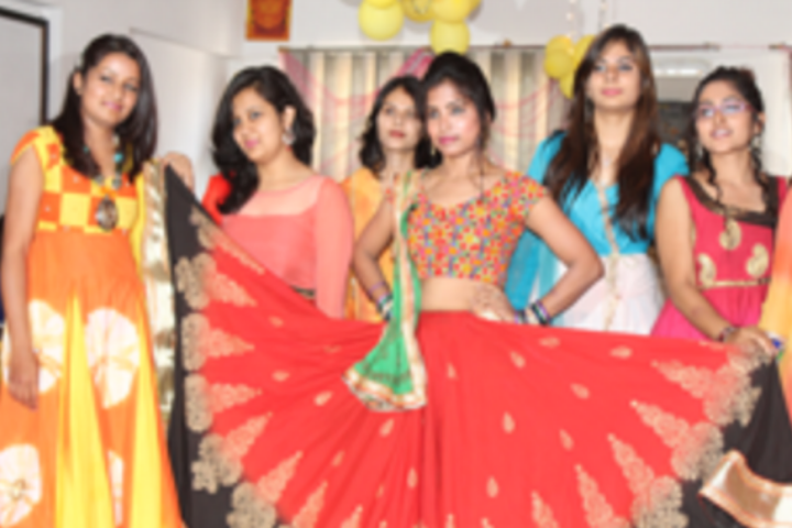Graffiti Institute Of Fashion Technology Indore Courses Fee Cut Off Ranking Admission Placement Careers360 Com