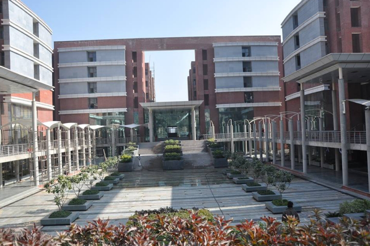 Amity University Gurugram Courses Fee Cut Off Ranking Admission Placement Careers360 Com