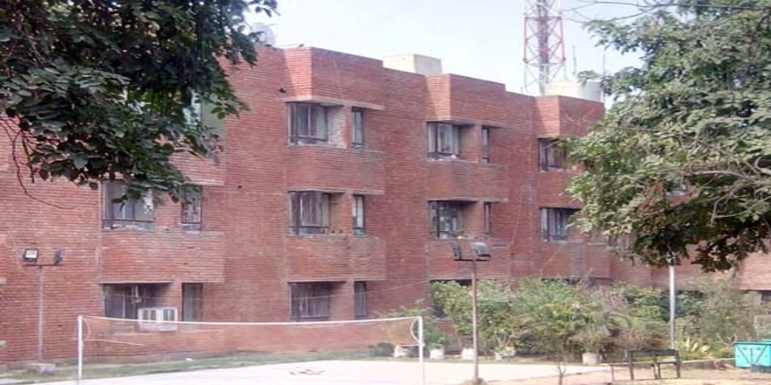 A DU hostel asks students to vacate within a week