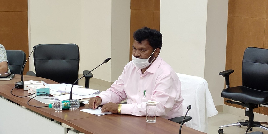 Jharkhand HRD minister to go back to school, applies for Class 11