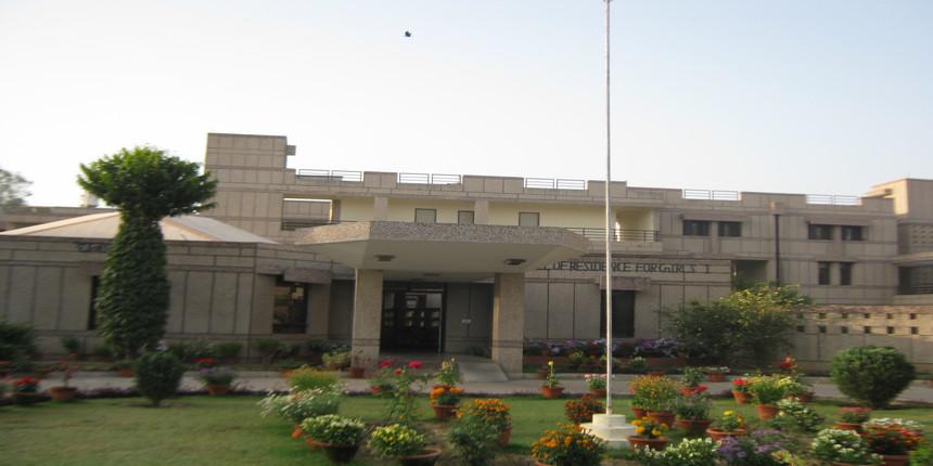 IIT-Kanpur director tests positive for coronavirus