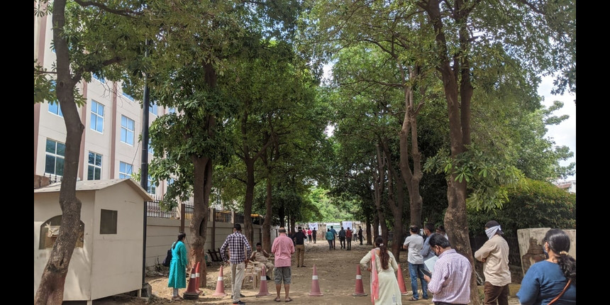 JEE Main 2020: Students face heavy rain and lack of transport
