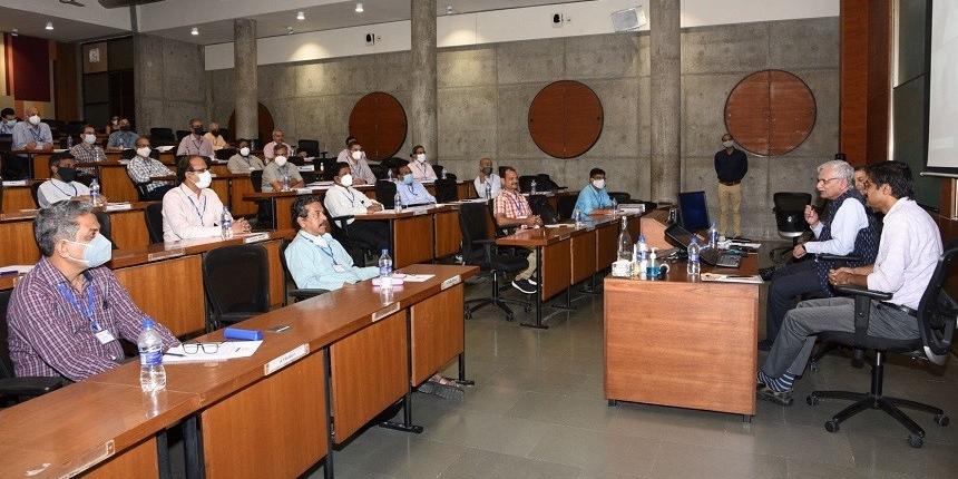 IIMA to train senior executives of organisations under atomic energy department