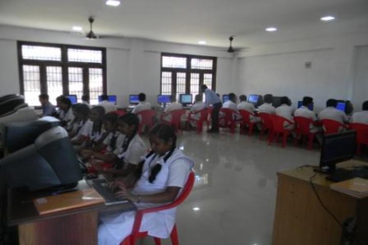 Kamaraj English Medium School-Computer lab