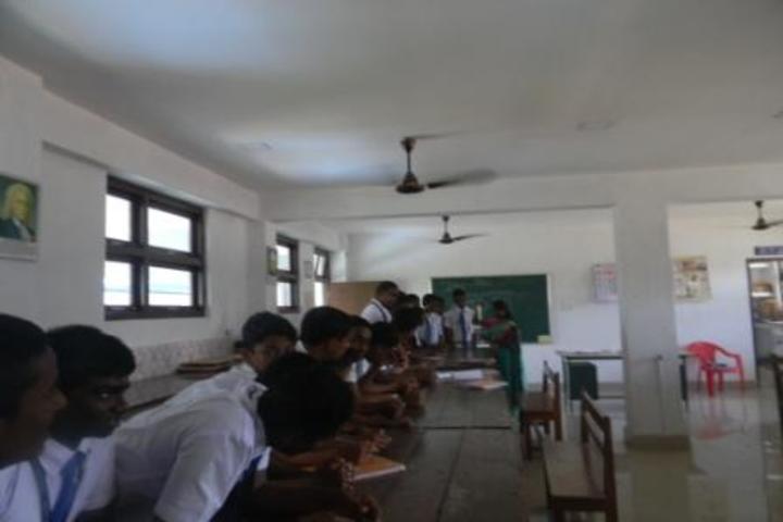 Kamaraj English Medium School-Physics lab