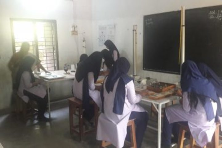 Thanveer Central School-Physics Lab