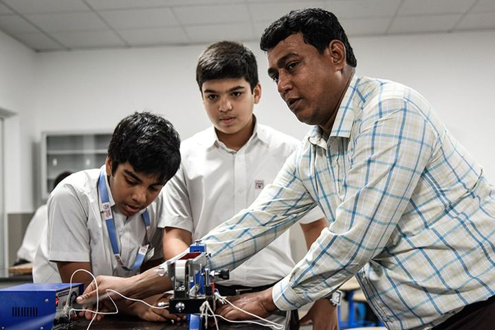 The Choice School-Physics Labs