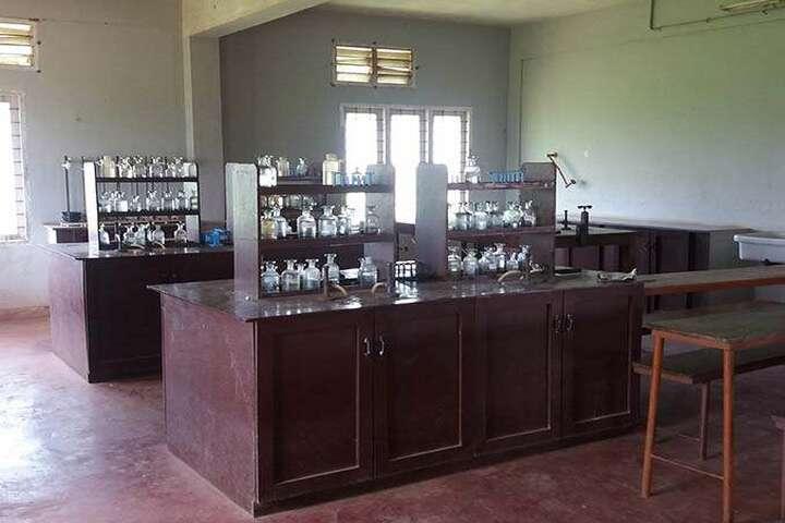 Toch Residential Public School-Chemistry lab