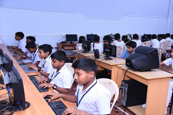 Vidyatmika Public School-Computer Lab