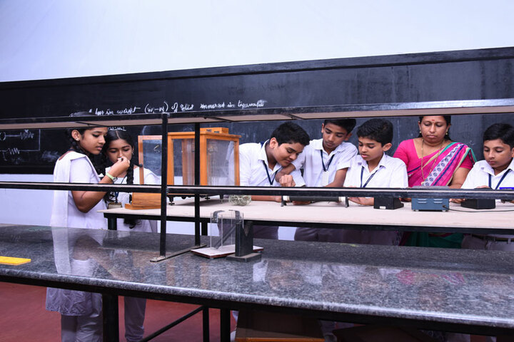 Vidyatmika Public School-Physics Lab