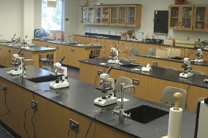 Wmo Eng School-Chemistry Lab