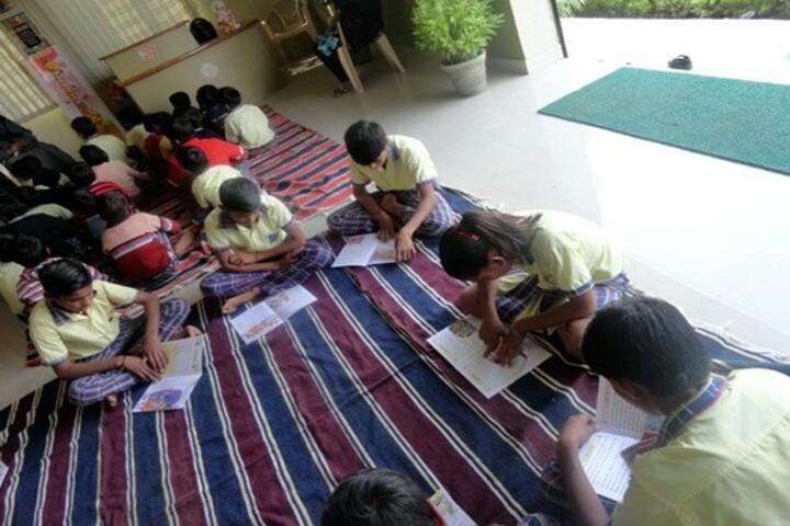 Aakar Public School-Reading Time