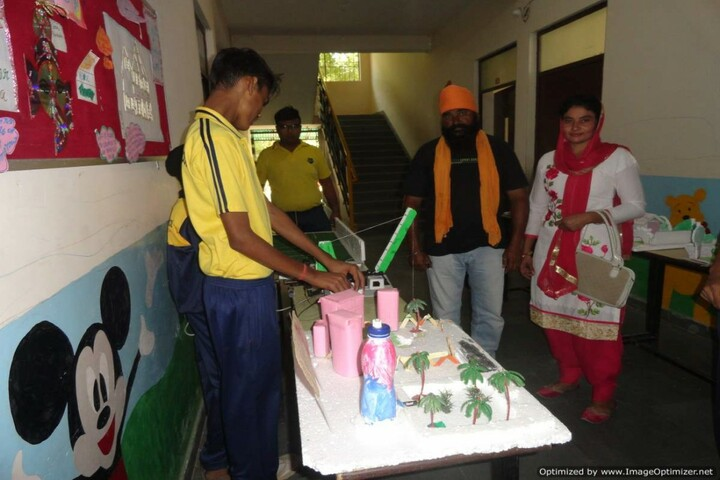 Aakar Public School-Science Exhibition