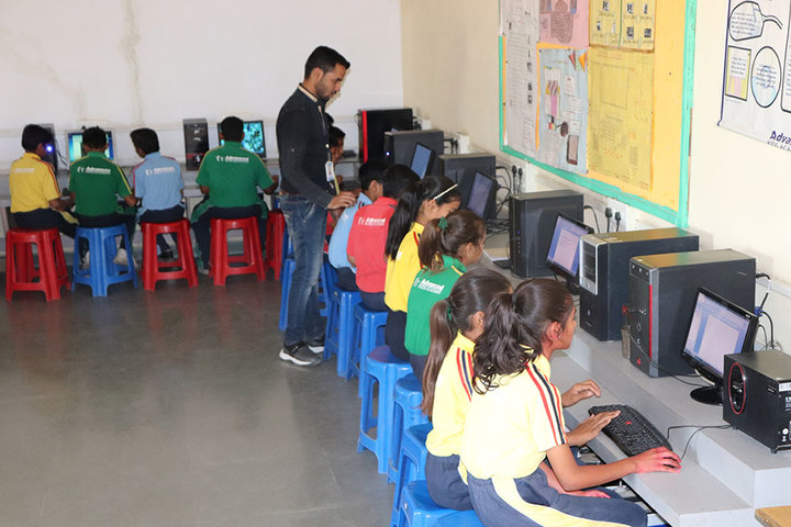 Advanced Kids Academy-Computer Lab