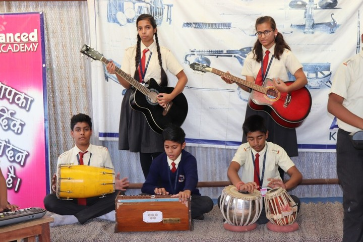 Advanced Kids Academy-Music Activity