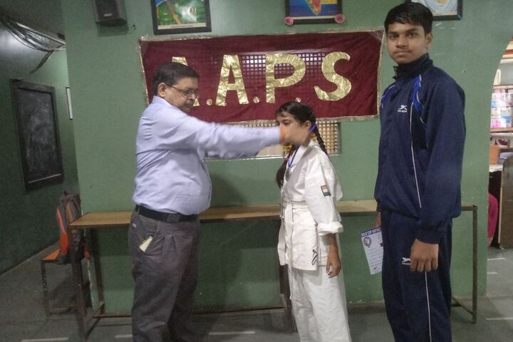 Akshay Academy-Medal Presentation