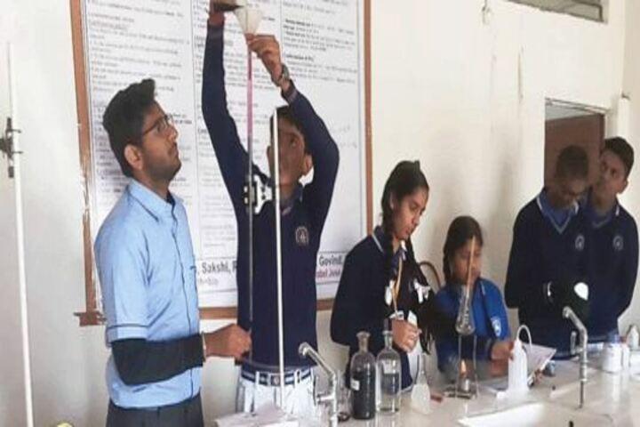 Bhagwan Srichand Public School-Chemistry Lab