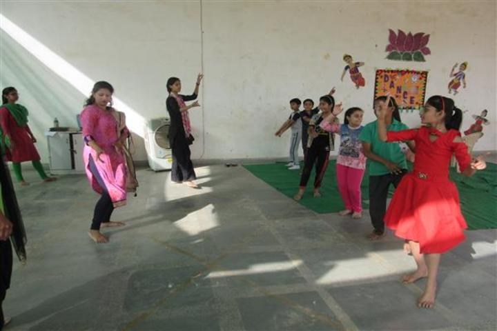 Central Academy School-Dance Room