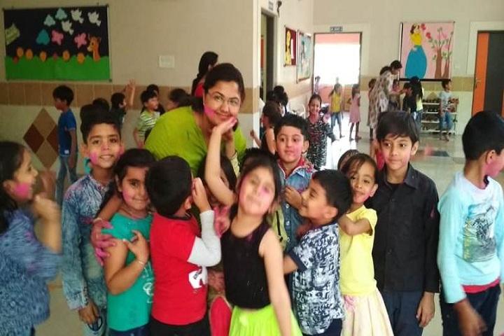 Choithram School-Holi