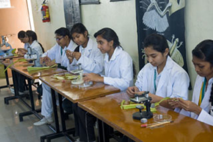 Columbia Convent School-Biology Lab