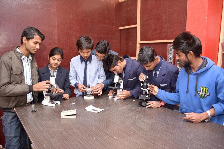Datahari Public School-Lab