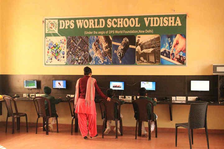 Delhi World Public School-Computer Lab