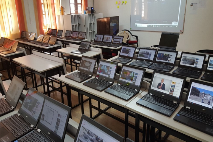 Demonstration School-IT-Lab