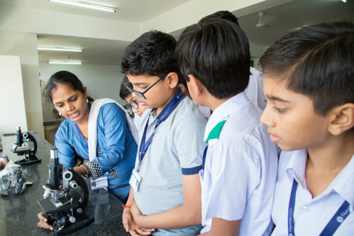 Ekayanaa School-Science Lab