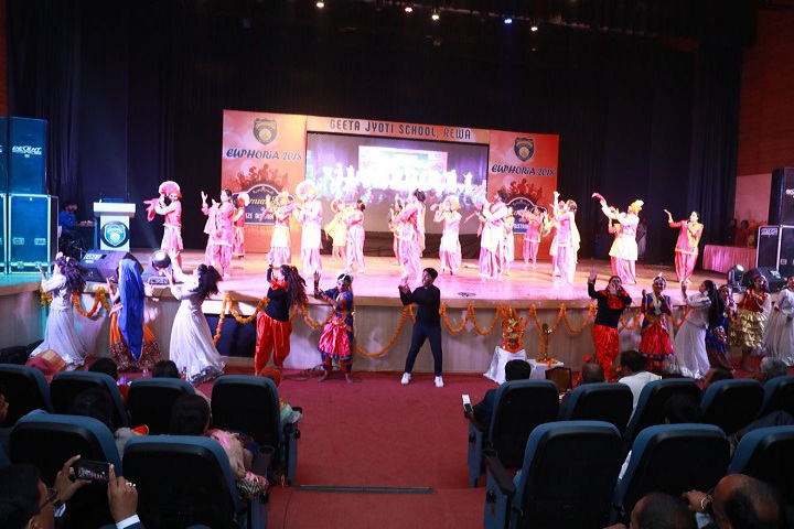 Geeta Jyoti School-Dance