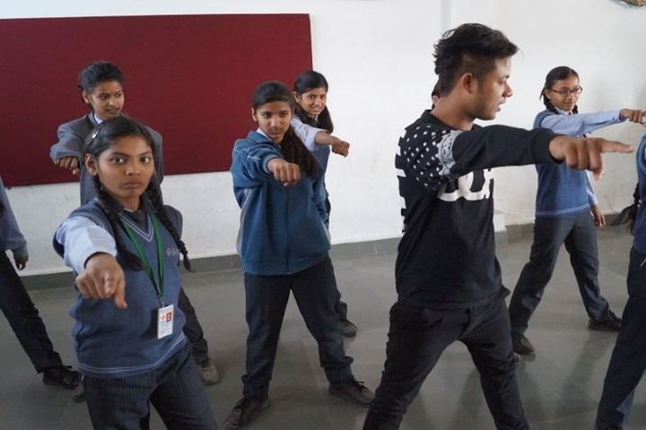 Gwalior Glory High School-Dance class