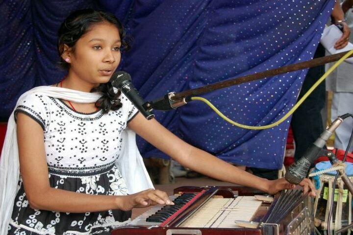 Adwaita Mission High School-Singing
