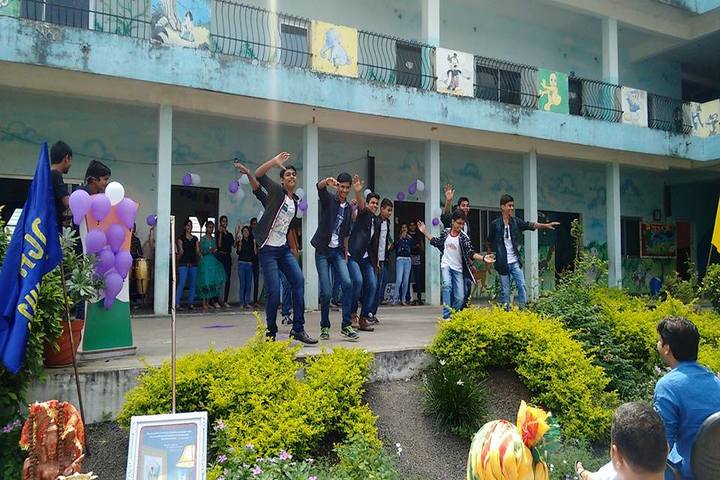Hind Junior College-Dance