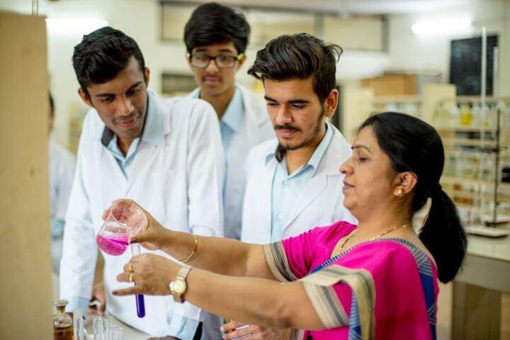 Indore Public School-Chemistry Lab