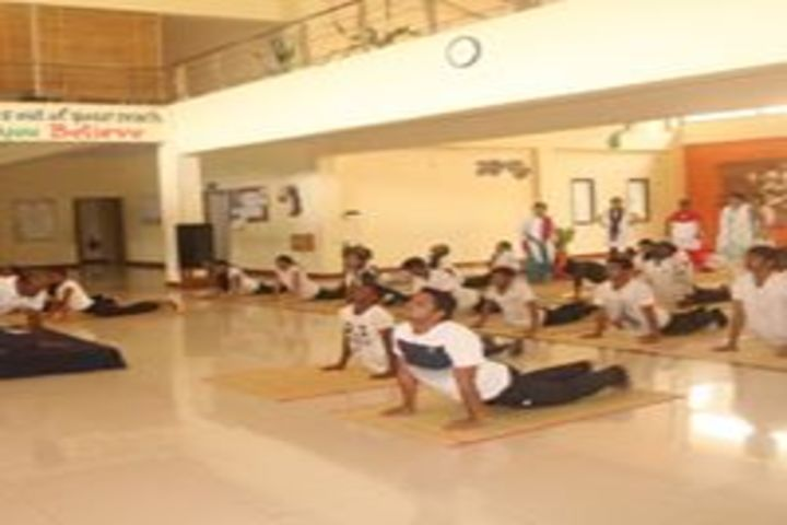 Mahatma Gandhi International School-Yoga