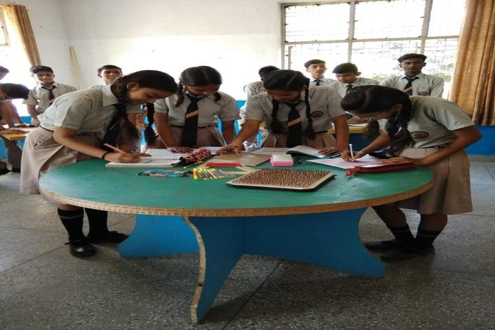 Kg Children School-Maths Workshop