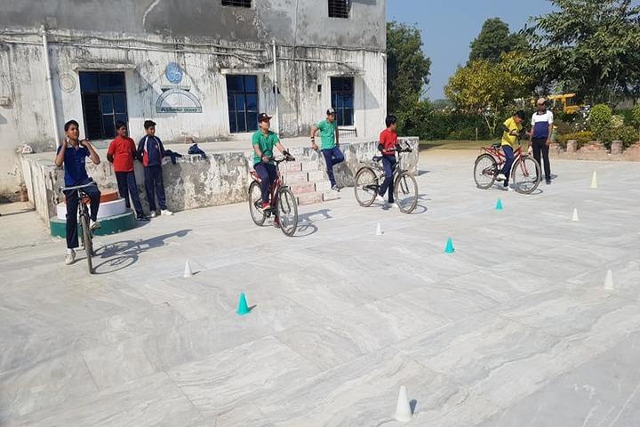 M D S Senior Secondary School-Cycle Racing
