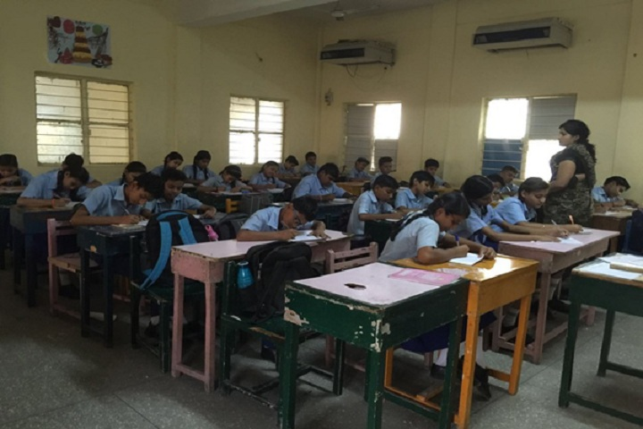 Maharishi Centre For Educational Excellence-Classroom