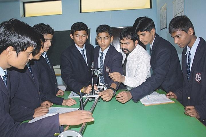 Narmada Valley International School-Laboratory